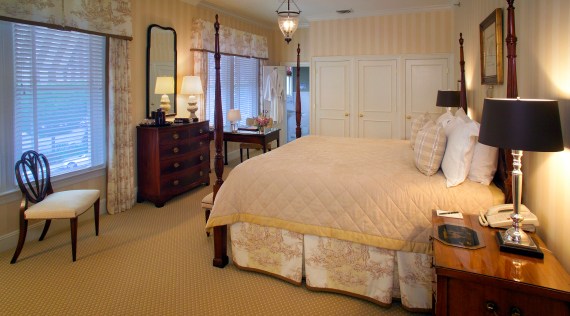 New Jersey Boutique Hotel The Bernards Inn Deluxe King Room